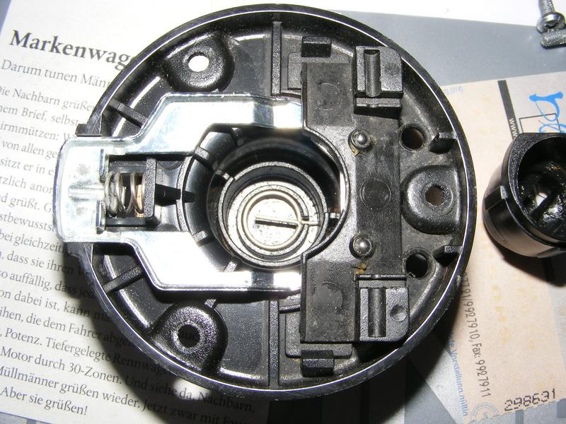 Bei bmw r modellen den schlie zylinder im tankdeckel - Burostuhl feder defekt ...
