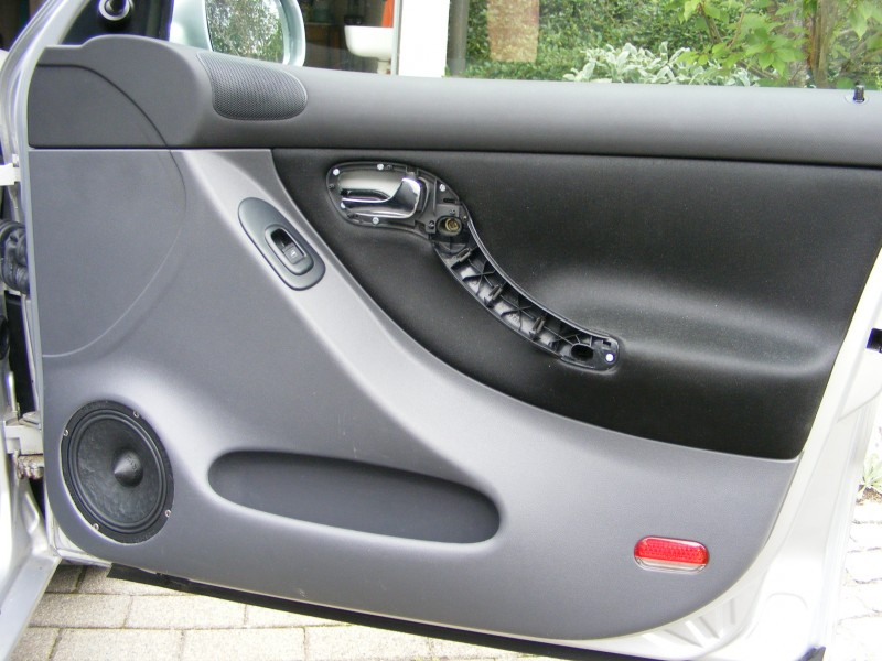 car hifi im seat leon 1m t rd mmung und einbau von. Black Bedroom Furniture Sets. Home Design Ideas