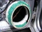 Seat Leon 1m Türdämmung: Einspachteln der Aluringe mit Glasfasterspachtel