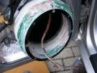 Seat Leon 1m Türdämmung: Einspachteln der Aluringe mit Glasfasterspachtel nach abschließendem Schleifgang